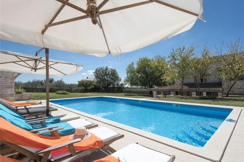 5 Bedroom Istrian Villa with Pool, sleeps 10