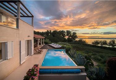 Luxury Villa on Brac Island, Villa with Pool for Rent in
