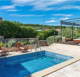 3 Bedroom Villa with Pool near Supetar on Brac, sleeps 6-7