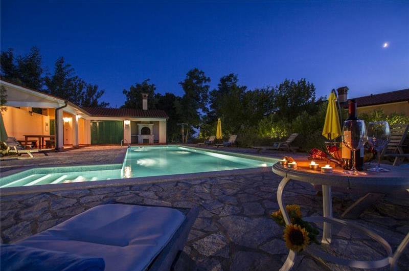 4 Villas with 2 Shared Pools near Rabac, Sleeps 38