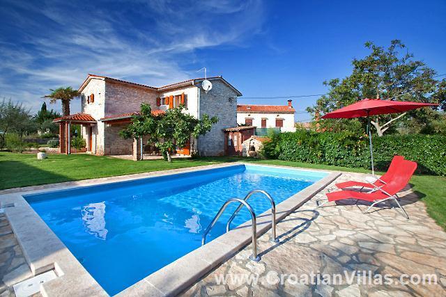 3 Bedroom Villa with Pool near Vodnjan, Sleeps 6
