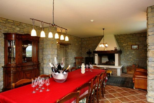 Luxurious 6 Bedroom Villa with Pool in Oprtalj-Istria, sleeps 12