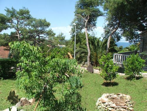 2 Bedroom Villa in Splitska on Brac Island, Sleeps 5