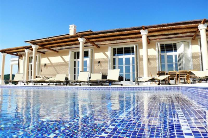 5 Bedroom Luxury Villa with Heated Pool, Maid and Optional Chef Service near Groznjan, sleeps 10