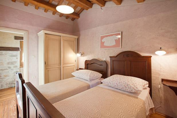 3 Bedroom Villa with Pool near Labin, sleeps 6