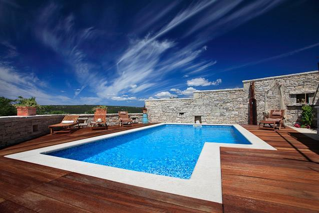 3 Bedroom Villa with Pool near Labin, sleeps 6