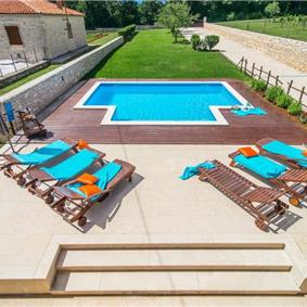 Large Istrian Country Villa with Pool, sleeps 12-14