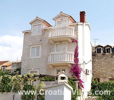 2 Bedroom Apartment in Milna on Brac Island, Sleeps 4