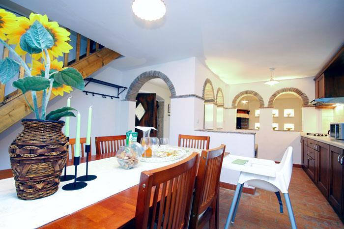 3 Bedroom Istrian House with Pool in Smolici, sleeps 6-8