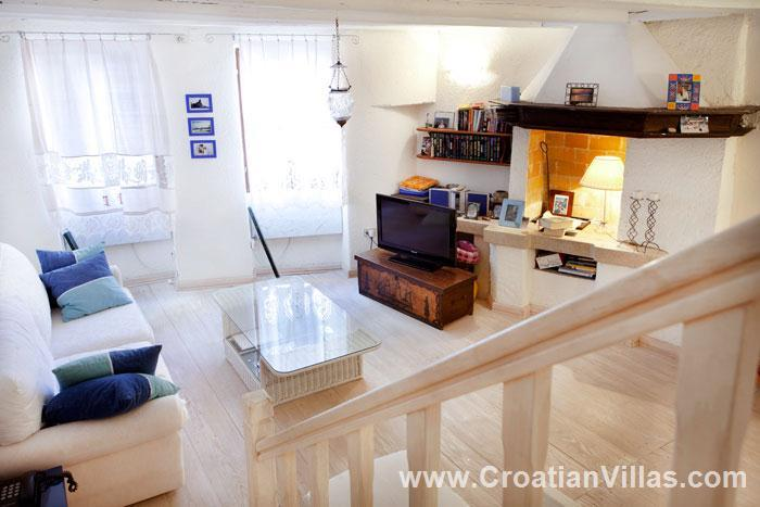 2 Bedroom Town House in Rovinj, Sleeps 3-5