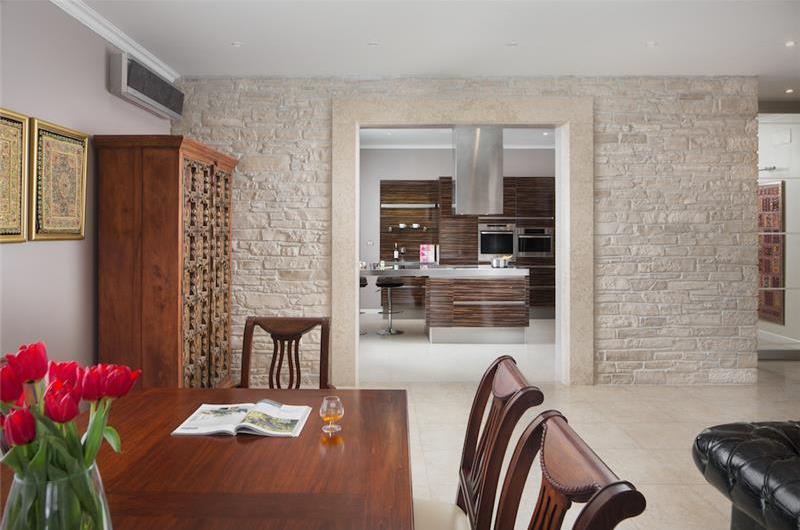 4 Bedroom Luxury Villa with Pool near Buje, Istria, Sleeps 8