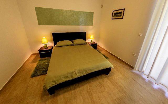 4 bedroom Villa with Pool near Pula, Sleeps 8