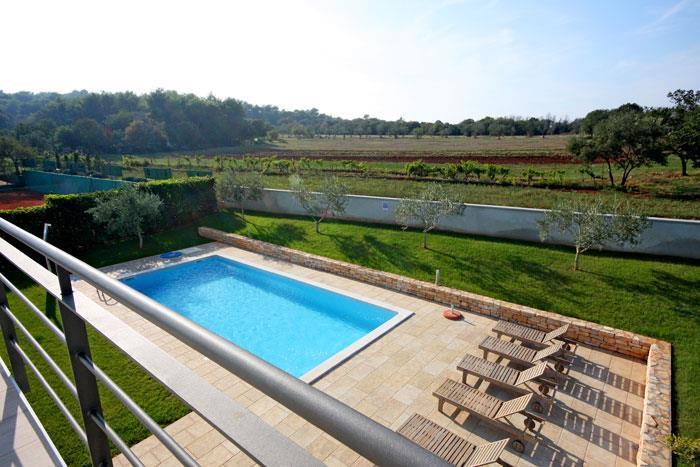 4 bedroom Villa with Pool near Pula, Sleeps 8
