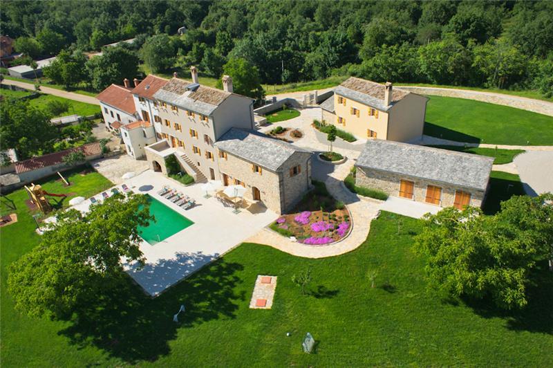 Large 7 Bedroom Istrian Villa Estate with Pool near Groznjan, Sleeps 14-19
