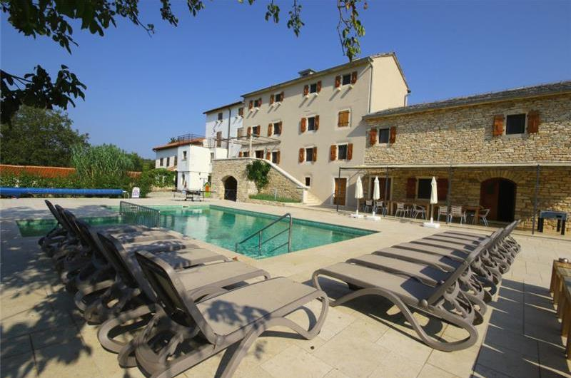 Large 7 Bedroom Istrian Villa Estate with Pool near Groznjan, Sleeps 14-22