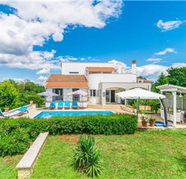 4 Bedroom Istrian Villa with Pool in Svetvincenat, sleeps 8-9