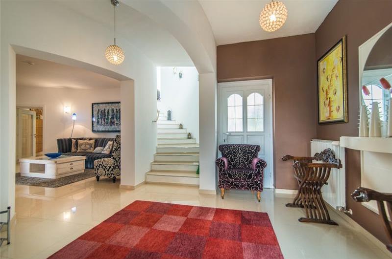 4 Bedroom Istrian Villa with Pool in Svetvincenat, sleeps 8-9