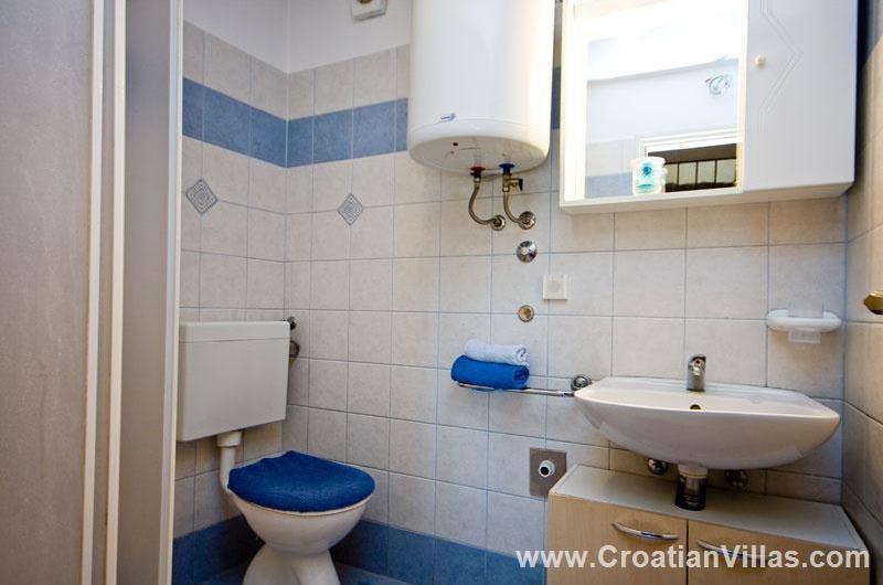 3 Bedroom Villa with Pool near Labin. Sleeps 6-8