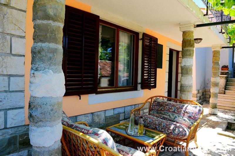 4 Bedroom Istrian Villa with Pool, Sleeps 8-10