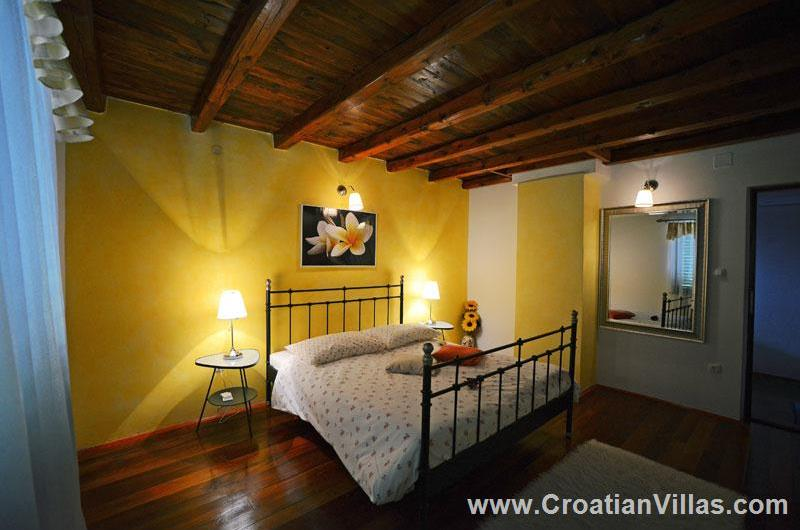 4 Bedroom Istrian Villa with Pool, Sleeps 8-10