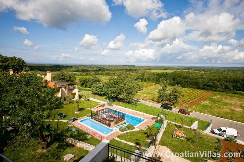 1 and 2 Bedroom Apartments near Visnjan, Istria. Sleeps 2-6