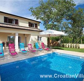 3 Bedroom Villa with Pool near Rovinj, sleeps 6-7