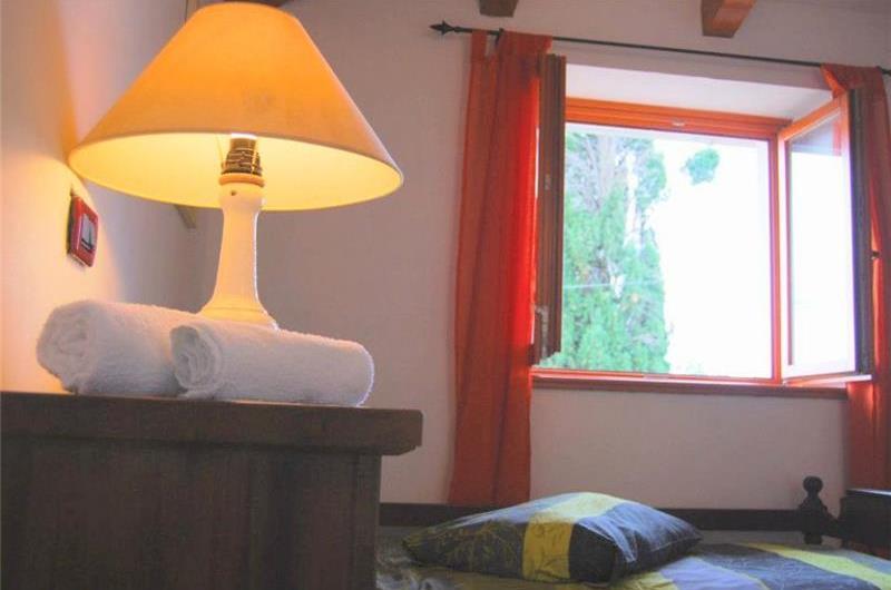 2 Bedroom Villa with studio Apartment and Pool near Porec, Sleeps 4-8